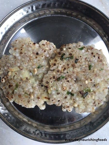 Sabudana( Sago or tapioca pearls) thalipeeth recipe | Sabudana rotti recipe