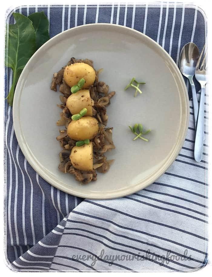 Potatoes in Mushroom sauce – Potato mushroom fry