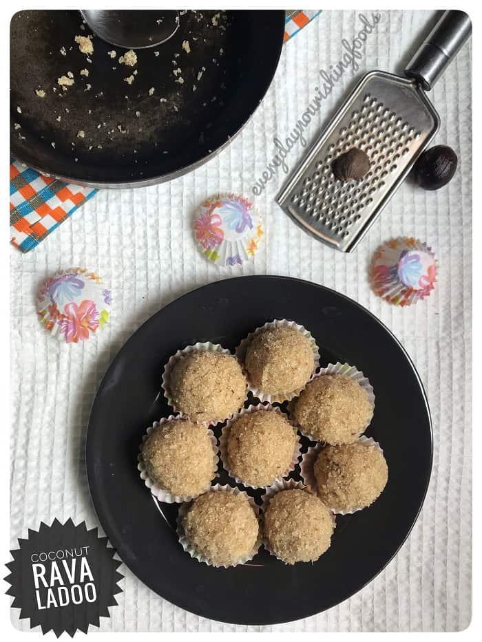 Coconut rava ladoo – Nariyal rava ladoo