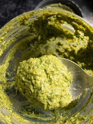 cilantro chutney making steps
