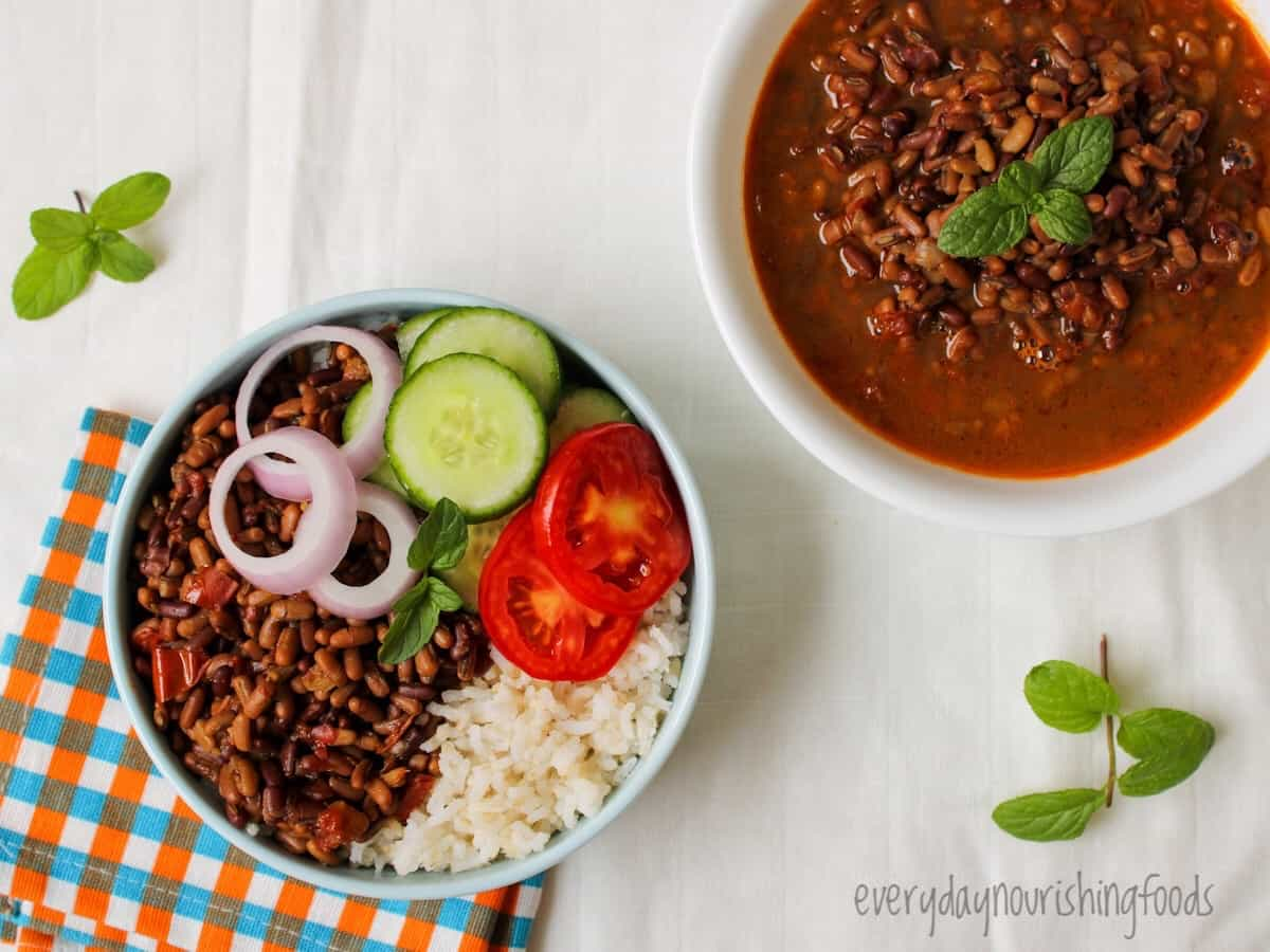 adzuki beans curry with rice in a bowl